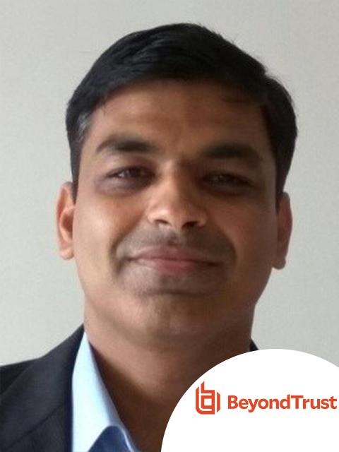 Ông Ajay Kumar